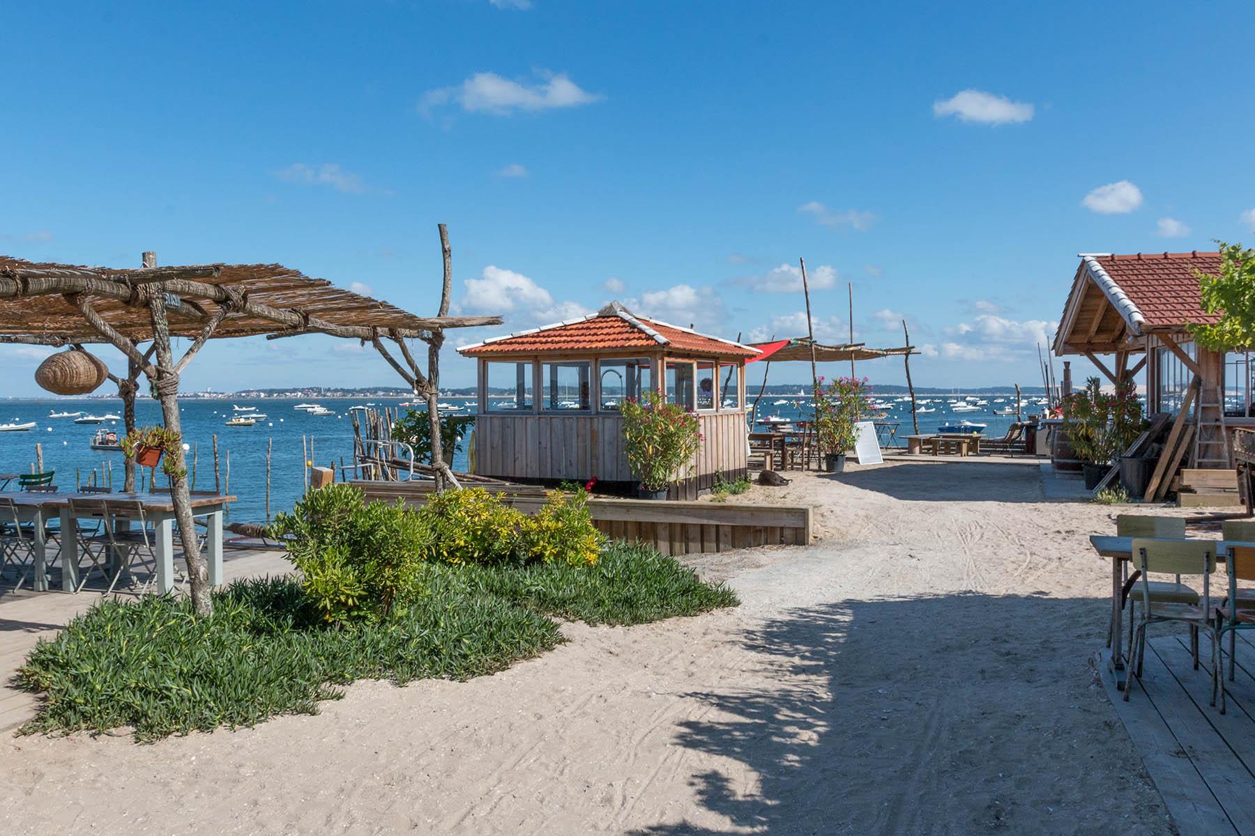 L 39 herbe village du cap ferret infos plages activit s et commerces - Restaurant au cap ferret ...