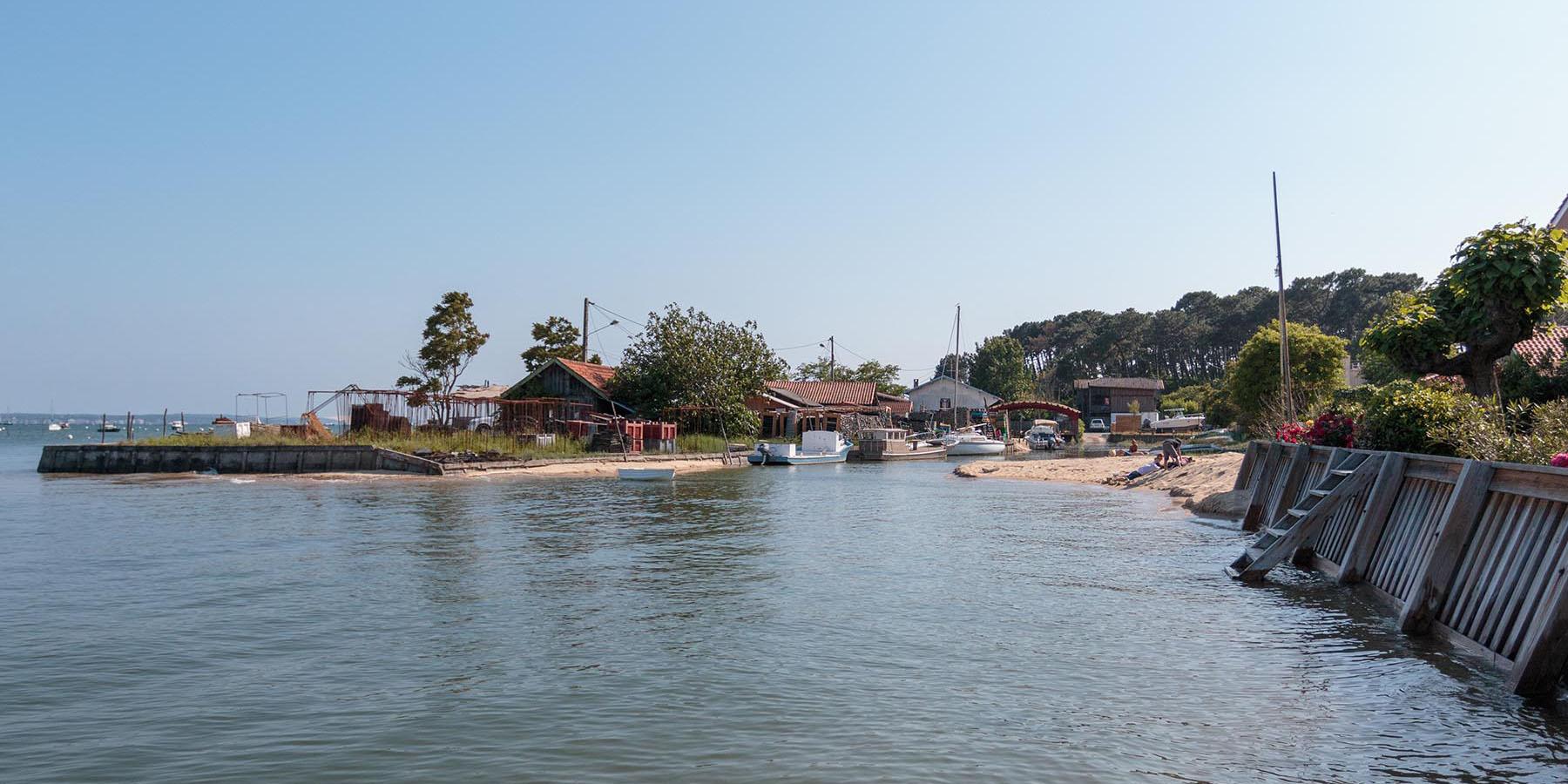 Quartier ostréicole du village des Jacquets au Cap Ferret