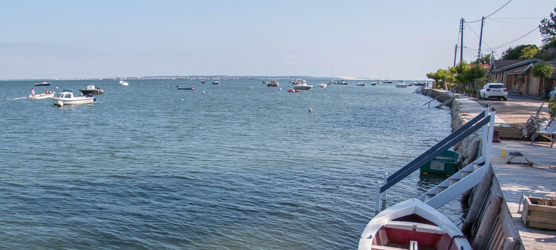 Bord de Bassin d'Arcachon au village du Four sur la presqu'ile du Cap Ferret