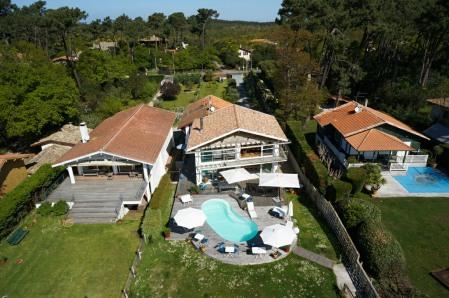 villa etche ona maison d 39 h tes au cap ferret avec piscine face au bassin. Black Bedroom Furniture Sets. Home Design Ideas