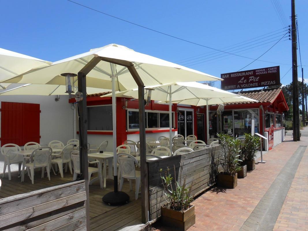 le pit restaurant bar claouey cap ferret terrasse 300m de la plage. Black Bedroom Furniture Sets. Home Design Ideas
