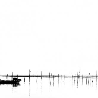 Photo noir et blanc d'une pinasse sur le Bassin d'Arcachon par Benoit Rual