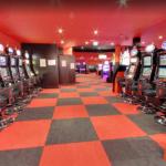 Salle des machines à sous au casino le Miami