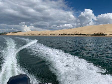 Balade en bateau le long de la dune du Pilat depuis le Cap Ferret