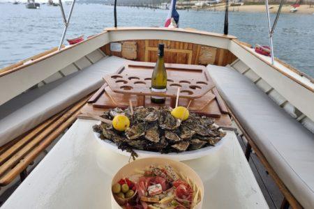 Balade en pinasse sur le bassin d'Arcachon avec dégustation d'huitres à bord