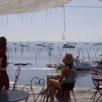 Cabane de dégustation d'huitres face au bassin au Cap Ferret