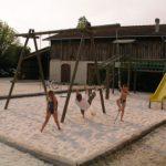Jeux pour enfants au camping la Prairie à Lège Cap Ferret