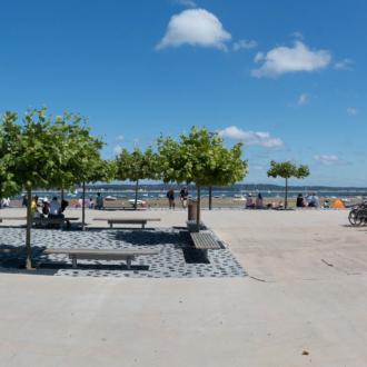 Place de la plage du centre au Cap Ferret