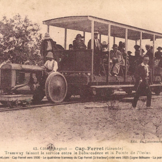 Carte postale ancienne du petit train du Cap Ferret - Collection Ferretdavant 1/9