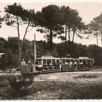 Carte postale ancienne du petit train du Cap Ferret - Collection Ferretdavant 2/9