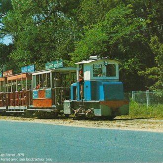 Carte postale ancienne du petit train du Cap Ferret - Collection Ferretdavant 6/9