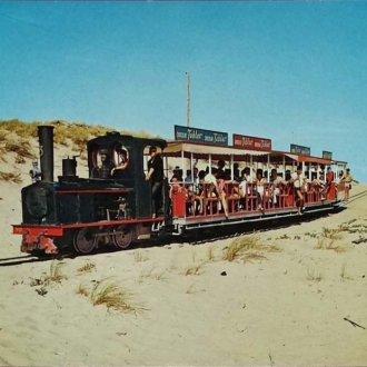 Carte postale ancienne du petit train du Cap Ferret - Collection Ferretdavant 8/9