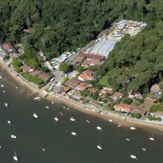 Vue aérienne du chantier naval du village du Four