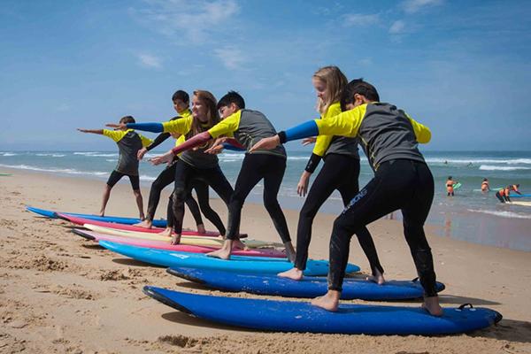 Alex école de surf plage de l'Horizon au Cap Ferret